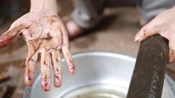 """Video: Cám cảnh hàng trăm nghìn hộ dân ngoại thành Hà Nội phải sử dụng thứ nước """"vừa dùng vừa lo"""""""