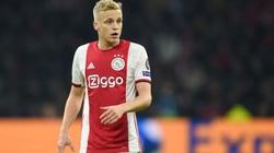 Tri ân đồng đội cũ, Van de Beek chọn số áo lạ hoắc ở M.U