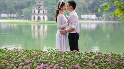 Chiêm ngưỡng những thảm hoa đẹp lung linh bên bờ hồ Hoàn Kiếm