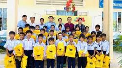Công ty Bình Điền hỗ trợ học sinh nghèo
