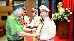 Chủ tịch nước thăng cấp hàm Trung tướng cho Thứ trưởng Bộ Công an Trần Quốc Tỏ