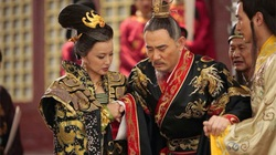 """Thị tẩm tới 9 phi tần mỗi đêm, Hoàng đế cũng phải """"cáo ốm"""""""
