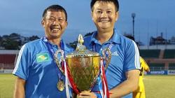 Clip: HLV Văn Quyến nói gì khi giúp SLNA vô địch U17 Quốc gia?