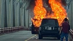 Vì sao xe sang Range Rover bốc cháy trơ khung dù trang bị hiện đại, an toàn?
