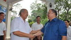 Chủ tịch Hội Nông dân Việt Nam lên thăm lương y nổi tiếng ở chân núi Tản Viên