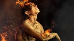 Á vương Mister Global 2014 tái xuất với bộ ảnh bán khỏa thân gây choáng