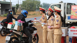 """Cảnh sát giao thông Đắk Nông """"Vì bình yên, hạnh phúc trên những tuyến đường"""""""