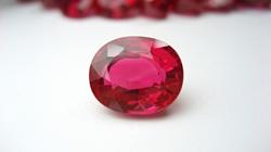 """Giả mạo """"giấy kiểm định"""" để lừa bán đá quý ruby"""
