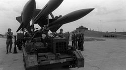 Tên lửa phòng không Mỹ vô dụng ra sao ở chiến trường Việt Nam?