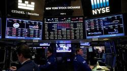 Giới đầu tư nên sẵn sàng cho các biến động lớn khi bầu cử Mỹ đến gần