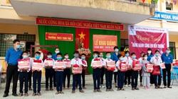 """Agribank Quảng Ngãi """"Đồng hành cùng em đến trường"""" năm học 2020-2021"""