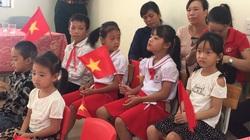 Bồi hồi lễ khai giảng tại đảo Trần, nơi có 7 học sinh và 2 giáo viên