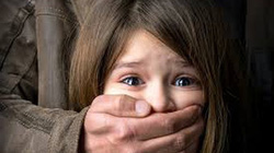Bé gái 13 tuổi bị gã hàng xóm bắt cóc, cưỡng hiếp ngay trong ngày sinh nhật