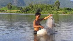 """Vùng đất nông dân buông lưới, đặt lờ """"rình"""" bắt những con cá quý hiếm mà thiên hạ tôn lên hàng cá đặc sản"""