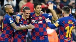 """Messi ở lại Barcelona, Suarez và Vidal bị """"bỏ rơi"""""""
