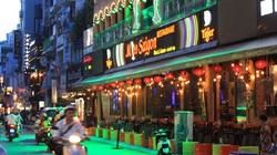 TP.HCM: Vắng khách quán bar, vũ trường bán thêm cà phê, khoai tây chiên để cầm cự