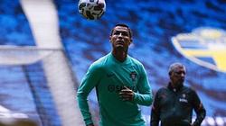 Ronaldo đang làm gì để đạt cột mốc 100 bàn cho ĐT Bồ Đào Nha?