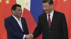 """""""Thân Trung Quốc, xa Mỹ"""" và lời hứa 9 tỷ USD của Bắc Kinh: Kinh tế Philippines """"được"""" gì sau 4 năm?"""