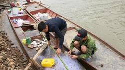Sơn La: Rét buốt cắt da thịt, lênh đênh trên sông Đà đánh bắt cá ngon, ngư dân đút túi 1 triệu/ngày