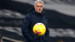 """Tottenham """"đánh rơi"""" chiến thắng, HLV Mourinho bào chữa thế nào?"""