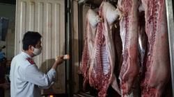 TP.HCM: Tăng cường kiểm tra thực phẩm Tết 2021, lực lượng chức năng vào chợ Bình Điền lúc nửa đêm