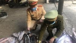 Quảng Ninh: Bắt vụ vận chuyển hơn 600kg mực đông lạnh bốc mùi hôi thối