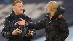 """Thua Man City oan uổng, HLV Aston Villa """"nổi điên"""" với trọng tài"""