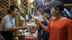 TP.HCM: Người dân chi hơn 12 tỷ đồng mua sắm, ăn Tết sớm tại Lễ hội Tết Việt