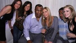 """Mike Tyson: Ngủ với 15 cô gái/ngày, """"đốt"""" 65 triệu USD vào ăn chơi"""