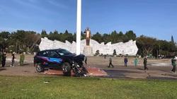 Ô tô lao vào quảng trường ở Gia Lai: Người gây tai nạn là Giám đốc doanh nghiệp