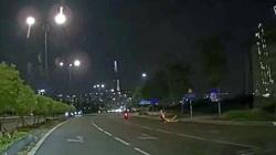 Vụ clip CSGT đu trên xe máy đôi nam nữ đang chạy rồi té ngã: Lãnh đạo CSGT Cát Lái nói gì?