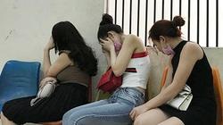 Vụ 4 đôi nam nữ 'hành sự' trong nhà nghỉ: 3 người đàn ông bị bắt là ai?