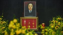 Phút cuối tiễn biệt NSND Trung Kiên về nơi an nghỉ cuối cùng