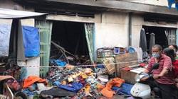 TP.HCM: 3 ki-ốt trong chợ Bình Triệu, TP.Thủ Đức bốc cháy dữ dội ngày cận tết, tiểu thương khóc ròng