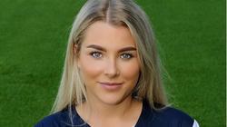 Bị sa thải vì quá sexy, nữ cầu thủ xinh đẹp bỏ luôn bóng đá
