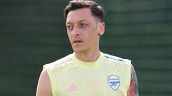 Choáng: Để Mesut Ozil đi, Arsenal phải cắn răng mất thêm 9 triệu bảng