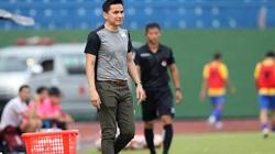 CĐV Thái Lan chê HAGL của Kiatisak đá giống... Thai.League 3