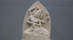 Cận cảnh phù điêu nữ thần nặng 200kg, hiếm thấy ở Bình Định