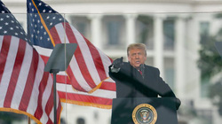 Vì sao ông Trump có thể tự ân xá cho mình?