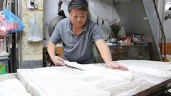 Chè lam, kẹo dồi, những thức quà giản dị có tuổi đời hàng trăm năm của làng cổ Kim Lũ ở thủ đô