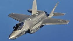 Có gì bên trong buồng lái tiêm kích F-35 khi bay?