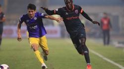 Cựu sao Hà Nội FC bị trọng tài chửi thề thẳng mặt tại V.League