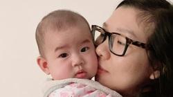 """Mẹ bỉm sữa Việt ở Pháp ngậm ngùi: Năm nay """"không có Tết"""""""