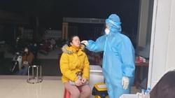 Hải Dương: Tứ Kỳ xuyên đêm lấy mẫu xét nghiệm cho hơn 700 công nhân làm việc tại Cẩm Giàng