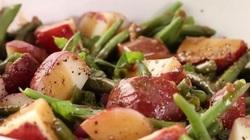 Clip: Lạ miệng với món salad khoai tây đậu đũa giảm cân, đỡ ngán