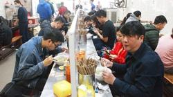Dịch Covid-19 ở Hà Nội có nguy cơ bùng phát cao: Nhà hàng, quán ăn phục vụ trong nhà phải lưu ý điều gì?