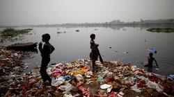Dòng sông Hằng linh thiêng nhất ở Ấn Độ đối mặt với tình trạng ô nhiễm nghiêm trọng