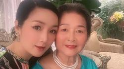 """Ngỡ ngàng vì mẹ Hoa hậu Giáng My ở tuổi U80 vẫn sành điệu, """"trẻ mãi không già"""""""