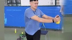 Tập quần vợt ở Thái Lan, Đặng Văn Lâm nhận mưa lời khen