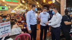 Covid-19: TP.HCM rà soát hàng loạt quán ăn tụ tập đông người